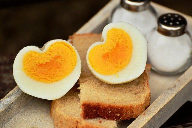 Jak zrobić jajka na twardo?
