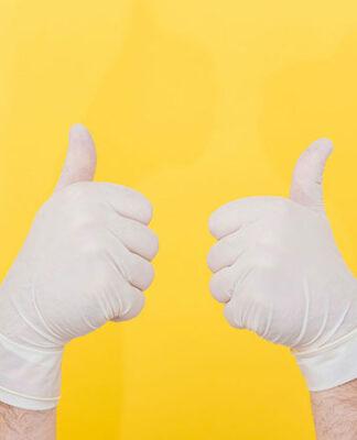 Środki do dezynfekcji i rękawiczki jednorazowe