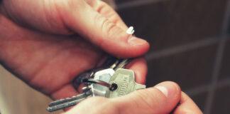 Jak bezpiecznie wynająć mieszkanie